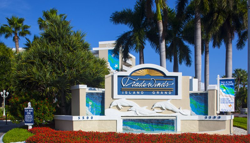 Tradewinds Island Grand Resort Hotel