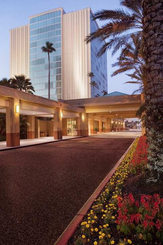Doubletree By Hilton Near Universal Cheap Vacations