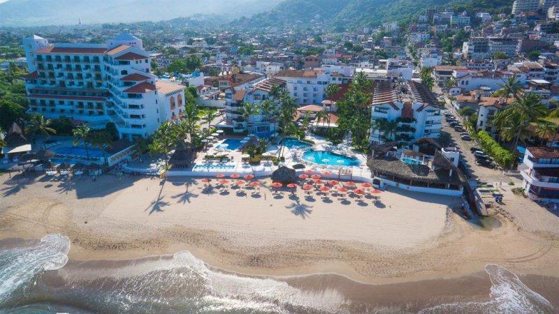 Vacation Deals To Buenaventura Grand Hotel And Great Moments Pvr Puerto Vallarta Vacation