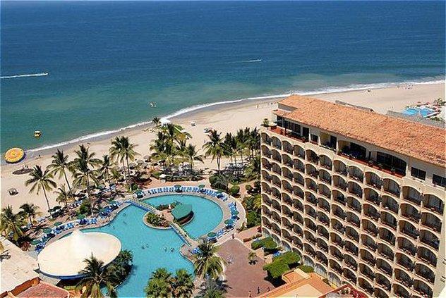 vacation deals to sunscape puerto vallarata puerto. Black Bedroom Furniture Sets. Home Design Ideas