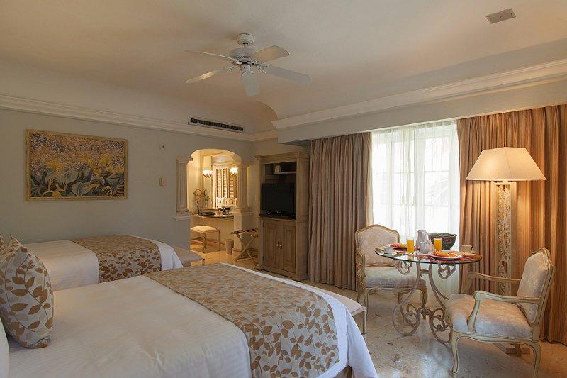 Grand Bay Hotel Isla Navidad All Inclusive