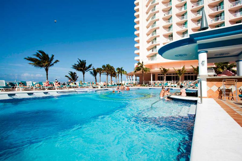 Riu Palace Paradise Island Cheap Vacations Packages Red