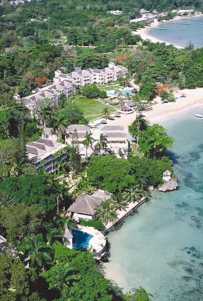 Jamaica Grand Hotel In Ocho Rios