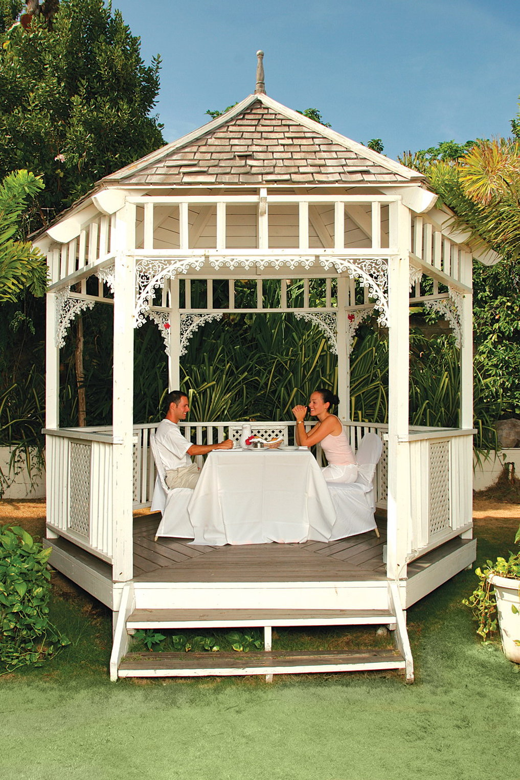 Ocean terrace cheap vacations packages red tag vacations for Terrace gazebo