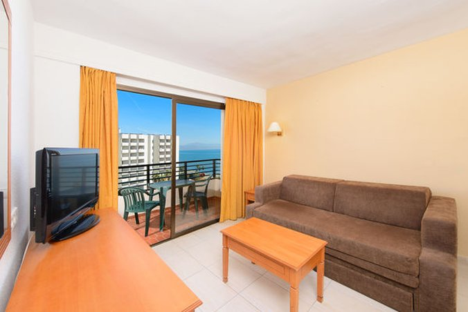 Sol house aloha costa del sol cheap vacations packages for Aloha package homes