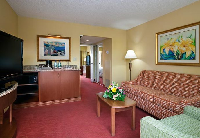Vacation Deals To Marriott Suites Clearwater Beach On Sand Key Clearwater Vacation Packages