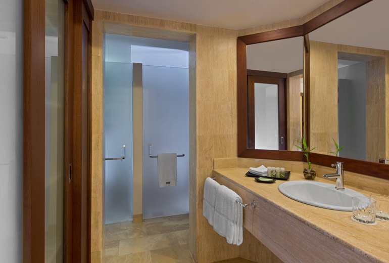 Westin golf resort and spa playa conchal cheap vacations for P bathroom suites cheap