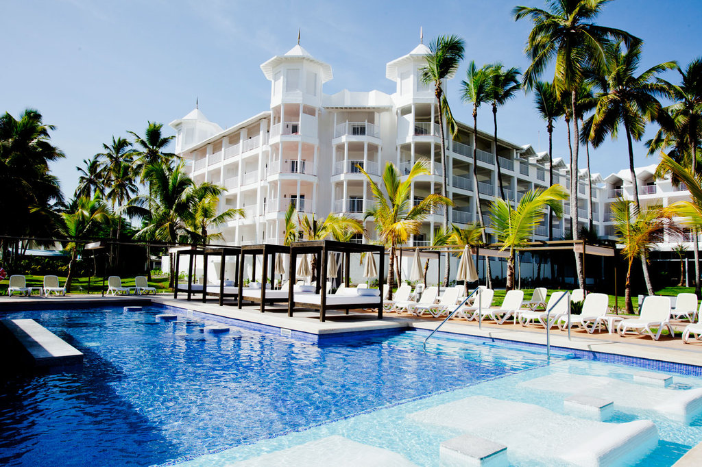 Riu palace macao cheap vacations packages red tag vacations for Vacations to punta cana