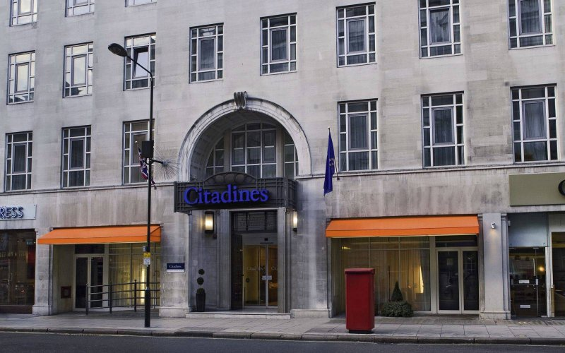 Hotels Near The O London Premier Inn