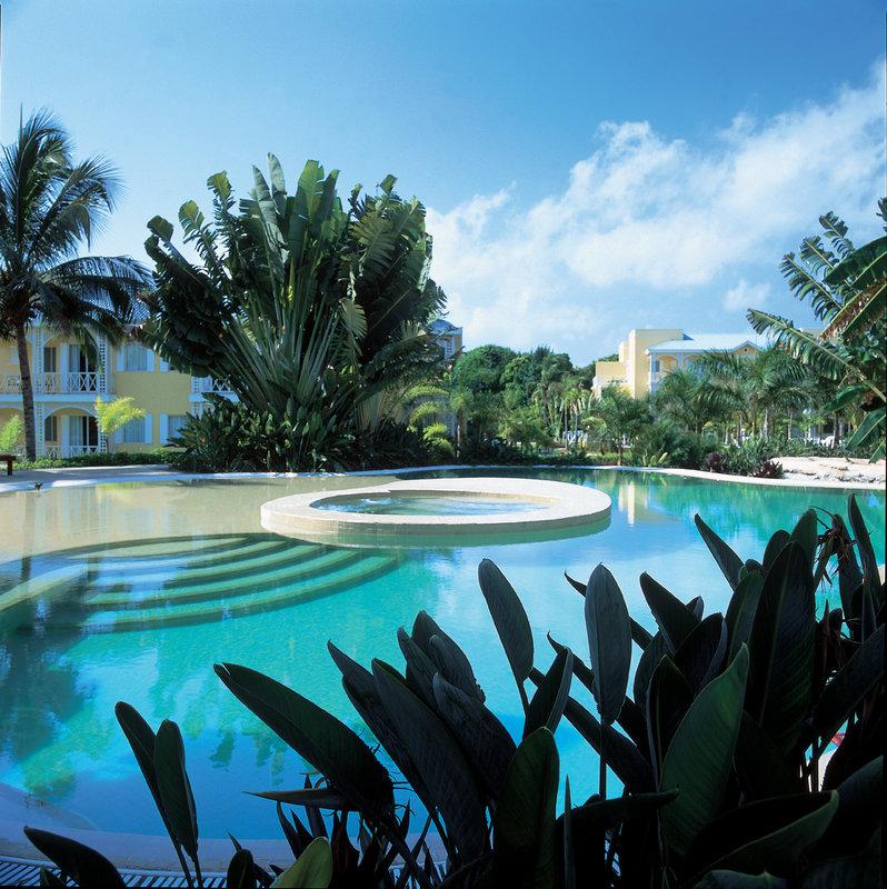 Vacation Deals To Royal Hideaway Playacar - Ai