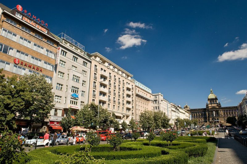 Ramada prague city centre cheap vacations packages red for Hotels in prague centre