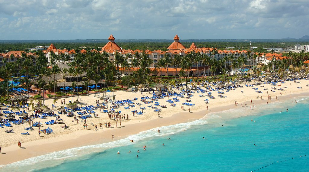 Barcelo punta cana beach resort cheap vacations packages for Vacations to punta cana