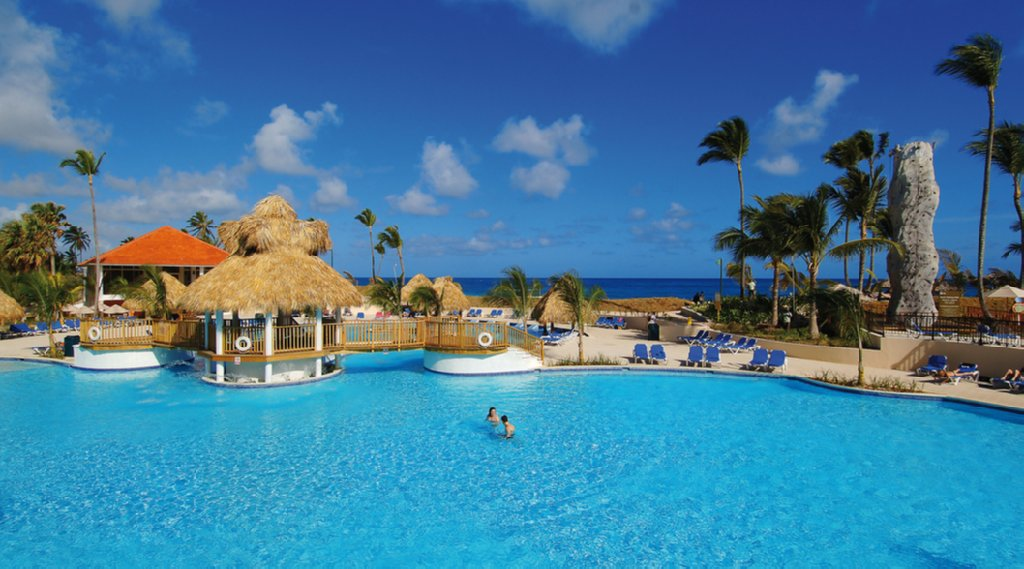 Barcelo punta cana beach resort cheap vacations packages for Cheap us beach vacations