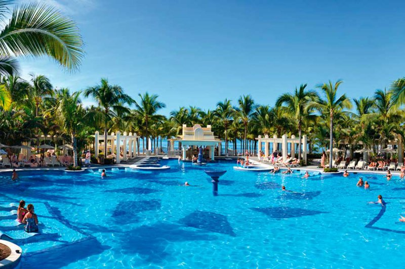 Cheap Vacations & Flights, Just Vacations finds the Best Deals on Vacations to Cuba, Domoinican Republic, Mexico, Florida & The Caribbean. Red Tag Prices on Vacations.