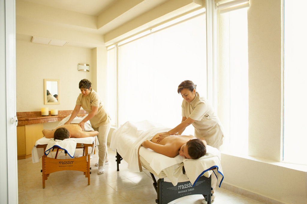 Barcelo costa cancun resort and suites cheap vacations for Health spa vacation packages