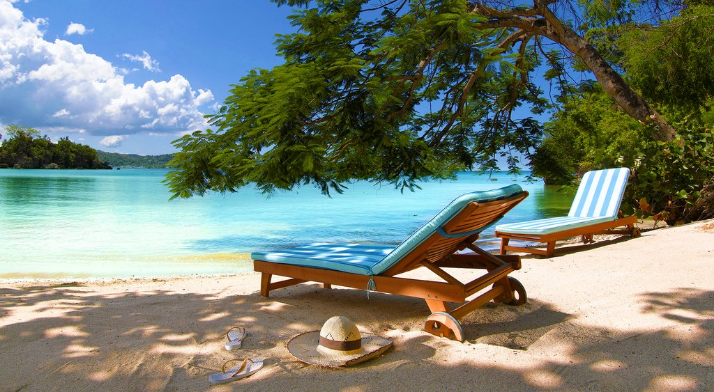 Best Beach In St. Barth: Anse de Grande Saline • SVADORE