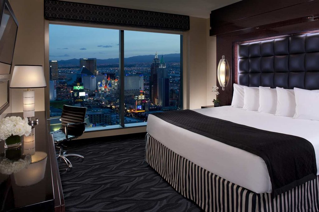 Ph towers by westgate cheap vacations packages red tag vacations for 2 3 bedroom suites on las vegas strip