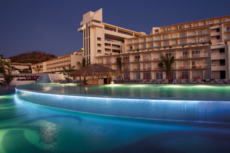 Secrets huatulco rst and spa cheap vacations packages for Hotels secrets