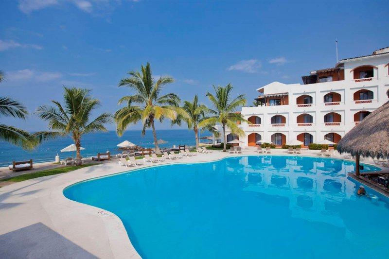 Smile At Blau Costa Verde Beach Resort