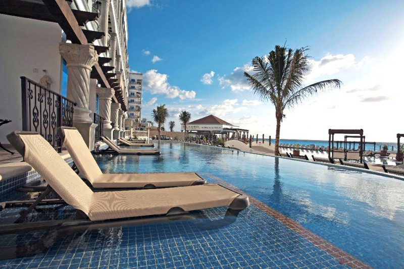 The Royal In Cancun Cheap Vacations Packages Red Tag