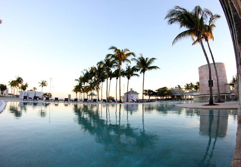 Memories Grand Bahamas Beach And Casino