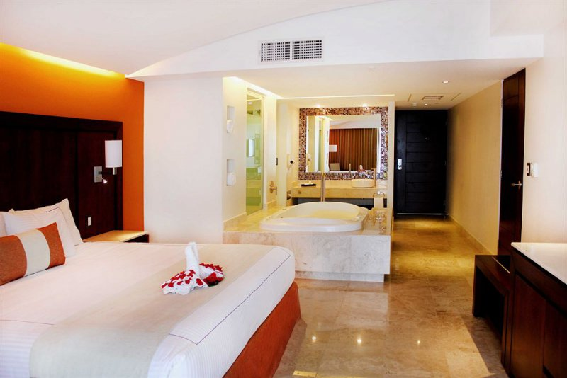 Vacation Deals To Azul Ixtapa Grand Resort Ixtapa