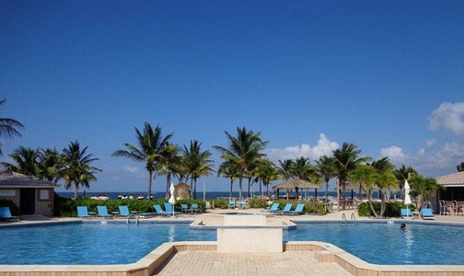 Comfort Inn Grand Cayman Comfort Suites Seven Mile Beach