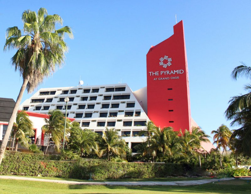 The Pyramid At Grand Oasis Cheap Vacations Packages Red
