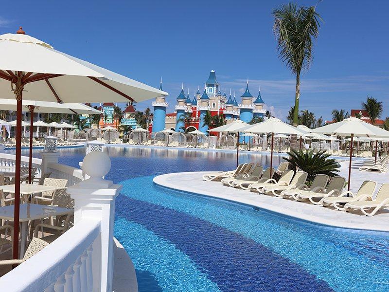 Luxury bahia principe fantasia cheap vacations packages for Hotel luxury bahia principe fantasia