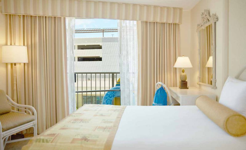 Ohana Waikiki East By Outrigger Vacation Deals Lowest Prices Promotions Reviews Last Minute