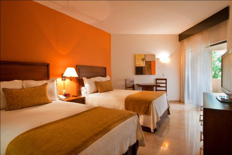 Canto del sol cheap vacations packages red tag vacations for Hotel plaza de sol