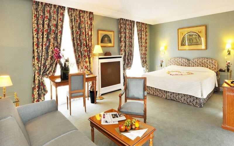 hotel le littre vacances a rabais. Black Bedroom Furniture Sets. Home Design Ideas