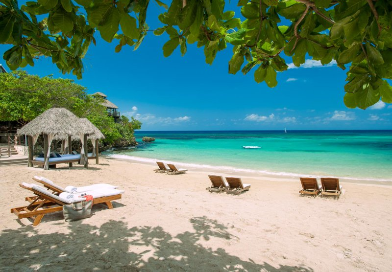 Sandals ochi beach resort cheap vacations packages red for Cheap us beach vacations
