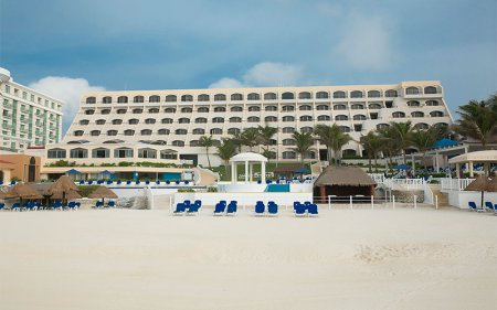 Golden Parnassus Resort And Spa, Cancun