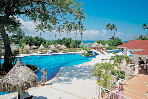 Luxury bahia principe cayo levantado vacation deals for Hotel luxury grand bahia principe cayo levantado