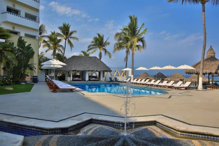 Villa premiere boutique hotel and romantic getaway for Last minute romantic getaways