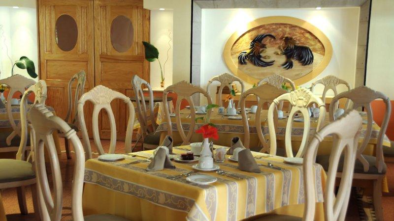 Adult Crown Golden Inclusive Paradise Spa