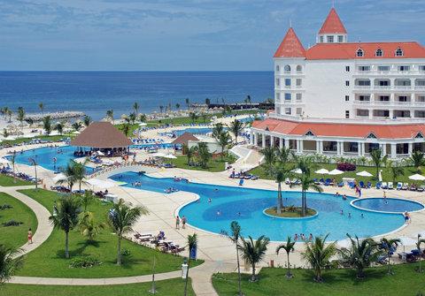 Caribbean Travel Deals Cheap Caribbean Vacation Packages Hotel Amp Flights Deals