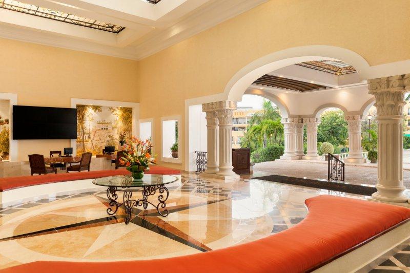 The Royal Playa Del Carmen Resort And Spa By Real