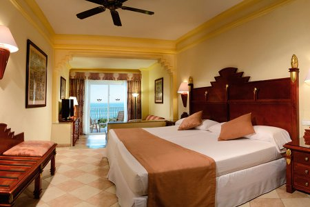 Riu vallarta vacation deals lowest prices promotions for Habitacion familiar riu vallarta