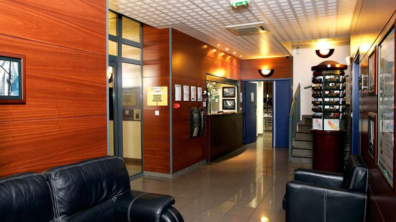 Appart city bordeaux centre cheap vacations packages red for Appart hotel bordeaux