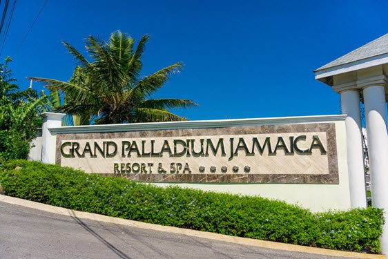 Grand palladium jamaica resort and spa cheap vacations for Best spa vacation packages