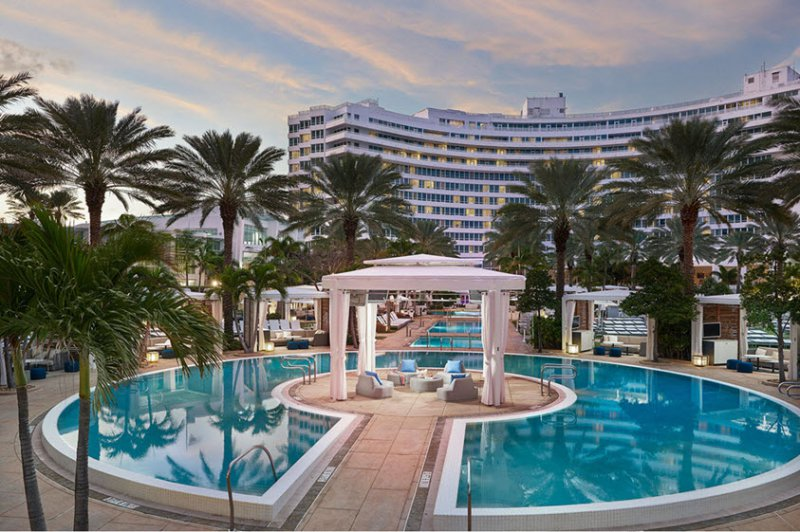 Fontainebleau Miami Beach Cheap Vacations Packages Red