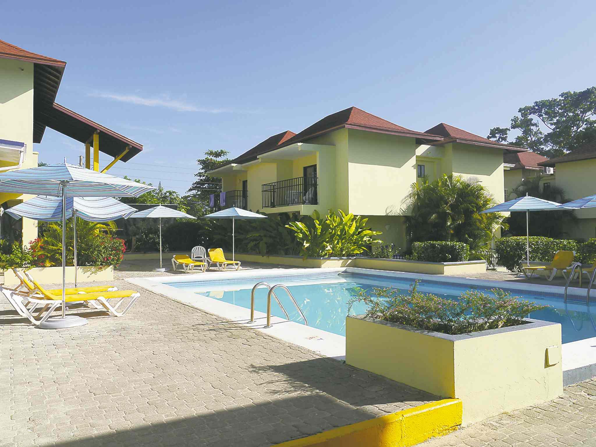 Bedroom Apartment Hotel Rooms In Negril Jamaica