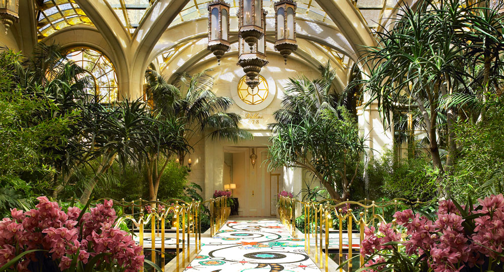 Book the Encore at Wynn Las Vegas - Linked to flagship resort Wynn Las Vegas on the Las Vegas Strip, Encore is a distinct destination resort with its own repertoire of accommodations, culinary offerings, and leisure activities. The Fashion Show Mall is across the street.