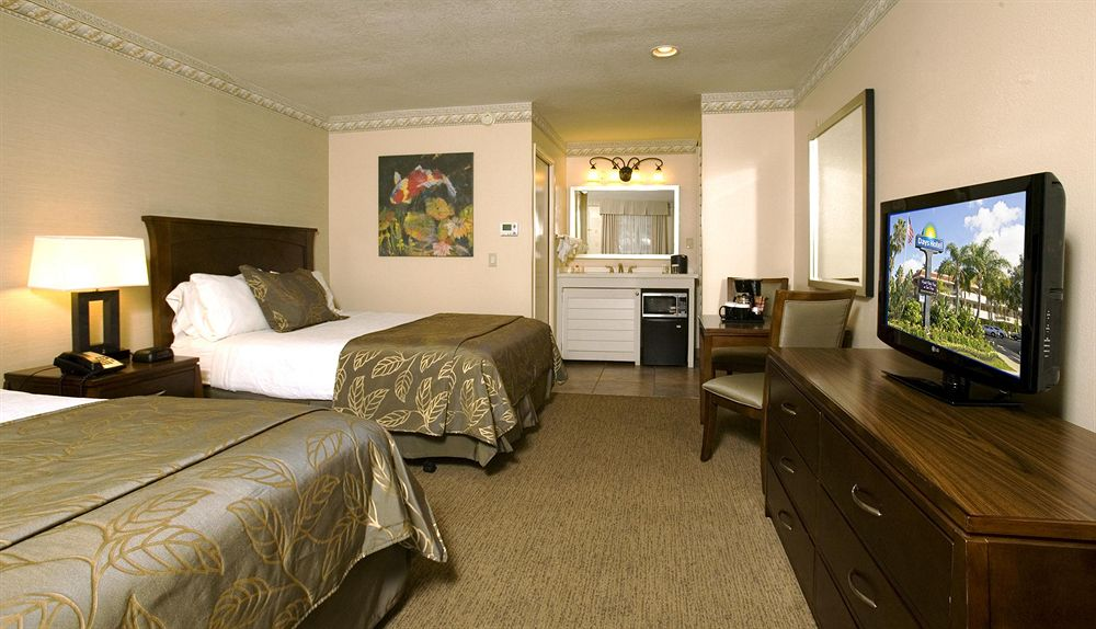 Days Hotel Hotel Circle Seaworld Vacation Deals Lowest
