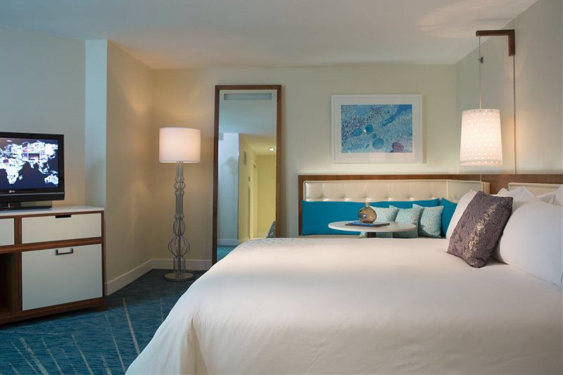 Renaissance Ocean Suites Cheap Vacations Packages Red