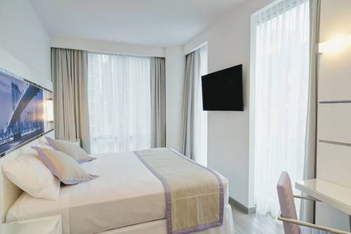 Riu Plaza New York Times Square Vacation Deals Lowest